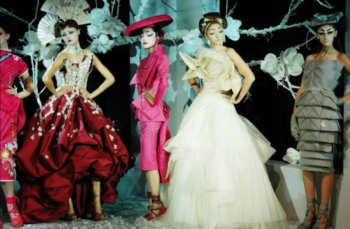 Presenting ultimate fashion week runway collection for for American haute couture designers