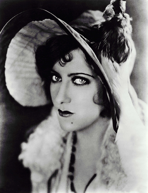 gloria swanson biography