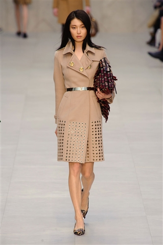 strengths of burberry Burberry is the top-ranked digital fashion brand, something the company has been building toward since 2006.