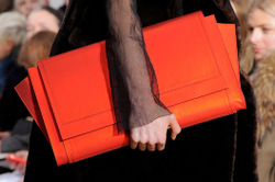 Trends_catwalk_yourself_AW13_bags_envelope_margiela