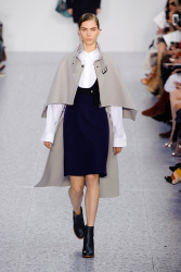 Trends_catwalk_yourself_AW13_cape_chloe
