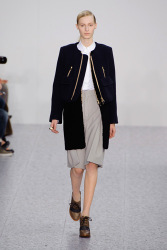 Trends_catwalk_yourself_AW13_cape_chloe_4