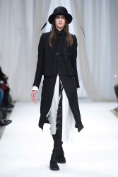 Trends_catwalk_yourself_AW13_gothic_ann_demeulemeester
