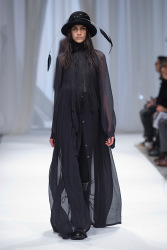 Trends_catwalk_yourself_AW13_gothic_ann_demeulemeester_2