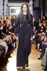 Trends_catwalk_yourself_AW13_gothic_giles