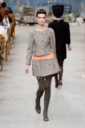 Trends_catwalk_yourself_AW13_grey_chanel