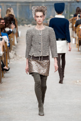 Trends_catwalk_yourself_AW13_grey_chanel_2