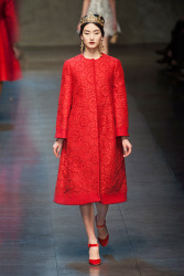 Trends_catwalk_yourself_AW13_scarlet_dolce_gabbana