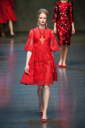 Trends_catwalk_yourself_AW13_scarlet_dolce_gabbana_2