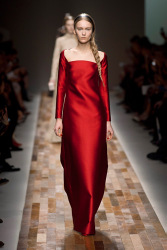 Trends_catwalk_yourself_AW13_scarlet_valentino