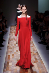 Trends_catwalk_yourself_AW13_scarlet_valentino_2