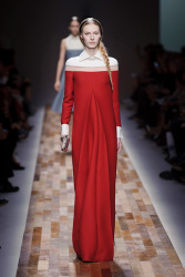 Trends_catwalk_yourself_AW13_scarlet_valentino_3