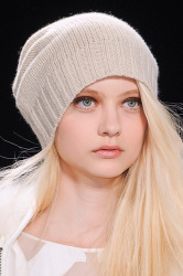 Trends_catwalkyourself_AW13_beanies_bcbg_4