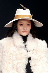 Trends_catwalkyourself_AW13_hats_issa_3