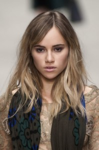 trends_catwalk_yourself_AW14_make_up_burberry