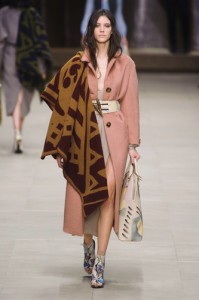 t1rends_catwalk_yourself_AW14_must_have_item_burberry_prorsum_6