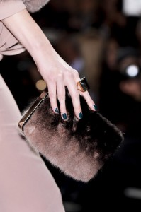 trends_catwalk_yourself_AW14_bags_elie_saab