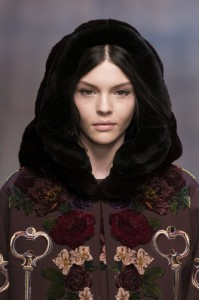 trends_catwalk_yourself_AW14_hats_dolce_and_gabbana
