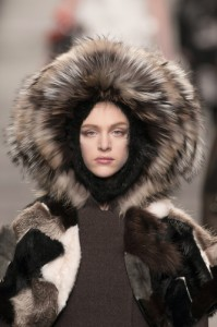 trends_catwalk_yourself_AW14_hats_fendi