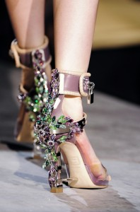 trends_catwalk_yourself_AW14_shoes_dsquared2