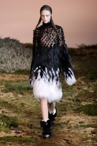 trends_catwalk_yourself_AW14_total_look_alexander_mcqueen_7