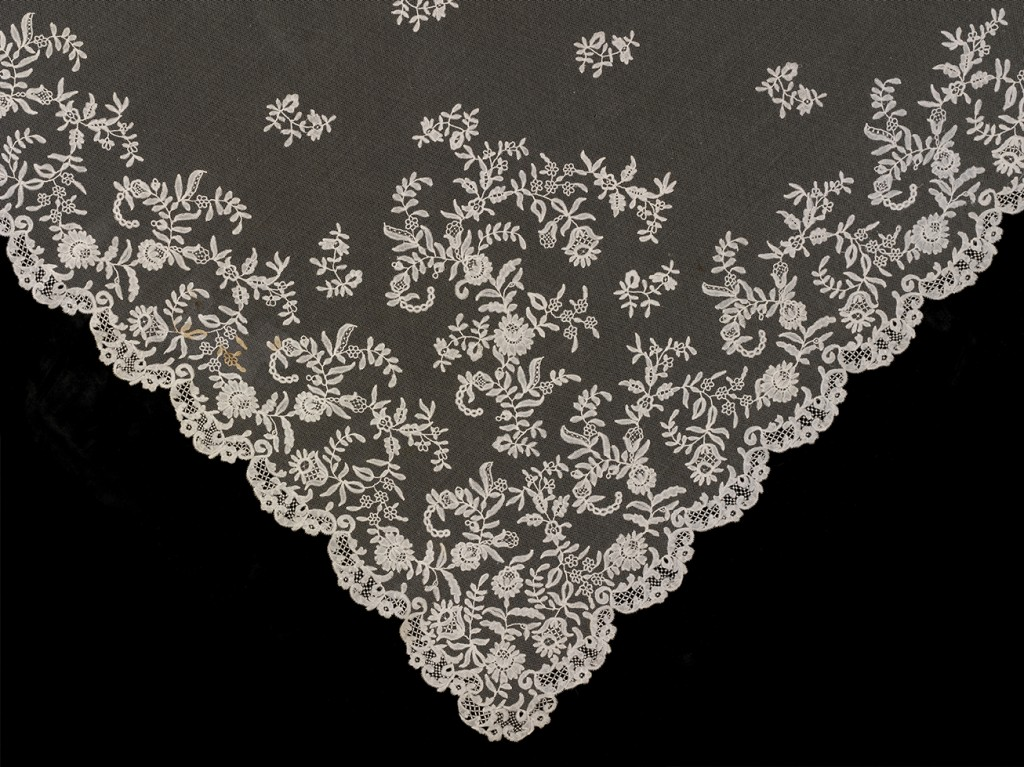 Honiton Lace For Sale Honiton Lace Veil Detail