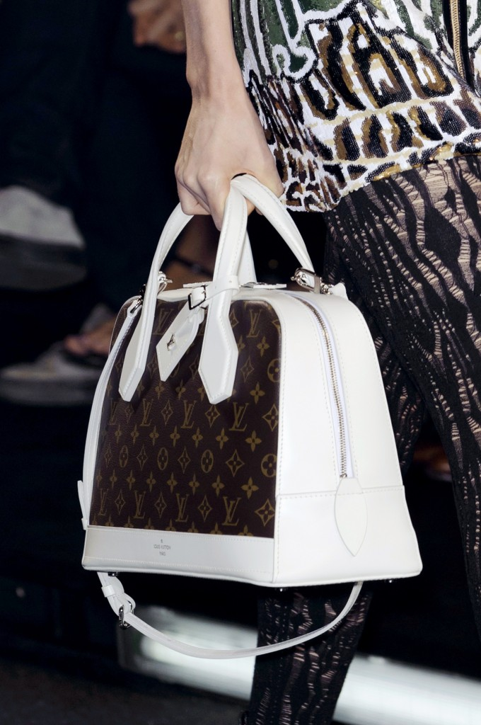 Vuitton bag S15 029